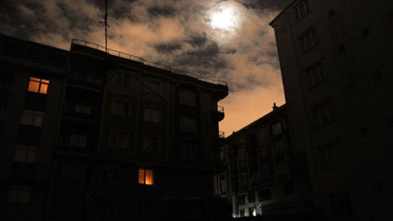 Dağıtım hattına yıldırım düştü, Afşin bir anda elektriksiz kaldı!
