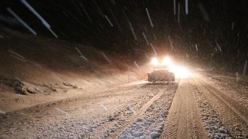 Göksun Kayseri yolu kar yağışı nedeniyle ulaşıma kapandı