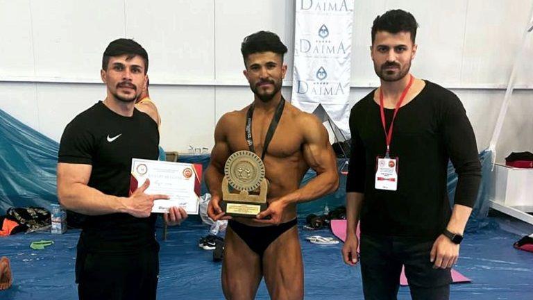 Elbistanlı sporcu Türkiye vücut geliştirme şampiyonu oldu