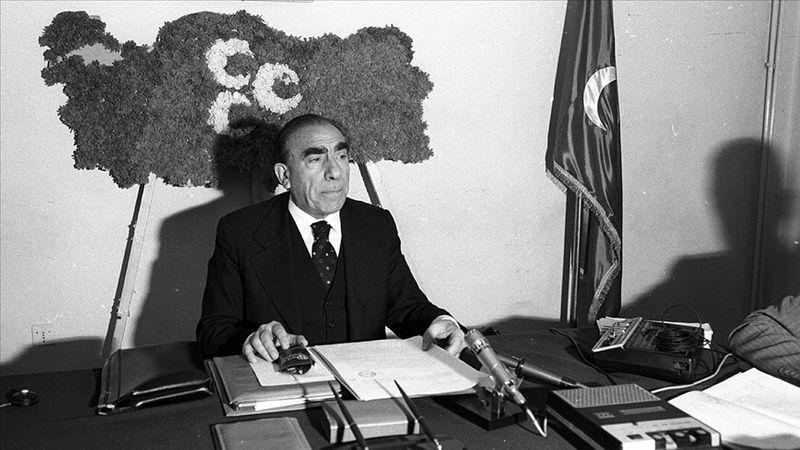 Ülkücü Hareket'in Lideri Alparslan Türkeş vefatının 24. yılında anılıyor