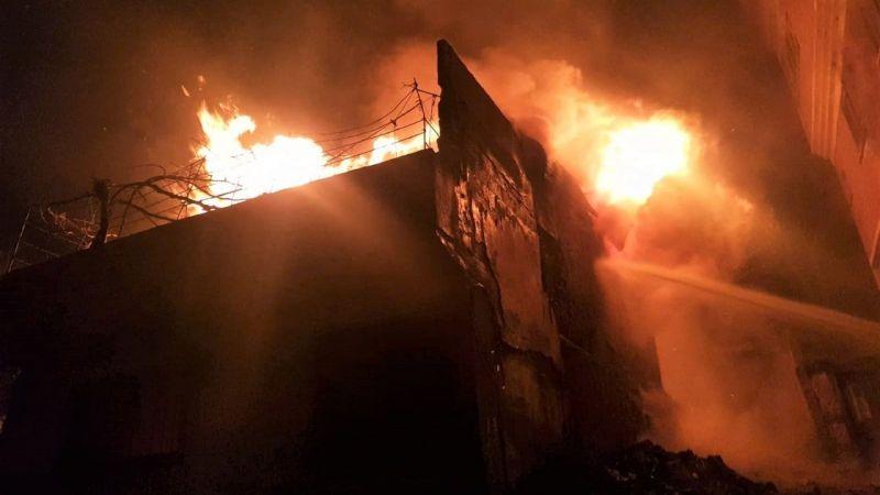 Kahramanmaraş'ta iş yerinde yangın: Bina kullanılamaz hale geldi