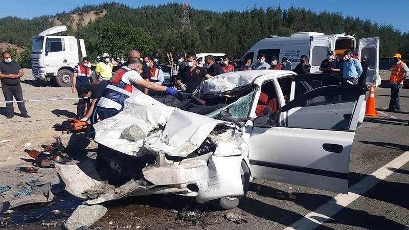 Feci kaza: Aynı aileden 4 kişi hayatını kaybetti!