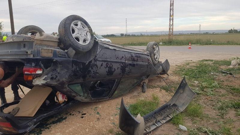 Elbistan'da otomobil takla attı: 3 yaralı