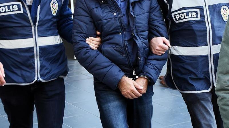 FETÖ'den aranan firari 2 eski polis yakalandı