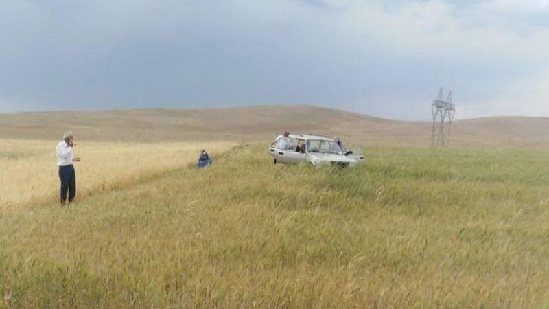 Elbistan'da kontrolden çıkan otomobil tarlaya uçtu: 1 yaralı