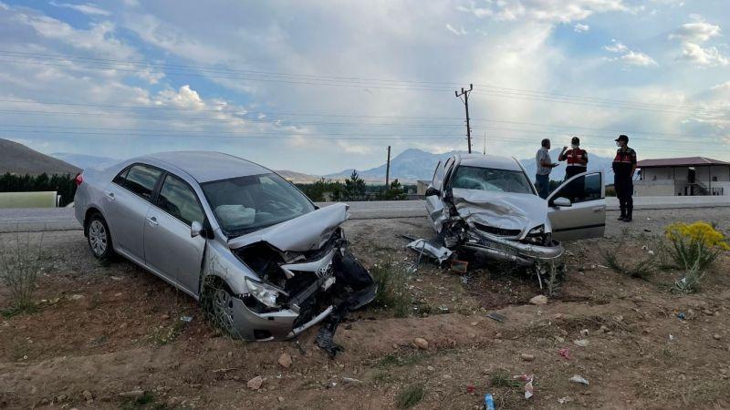 Elbistan Afşin yolunda feci kaza: 5 yaralı