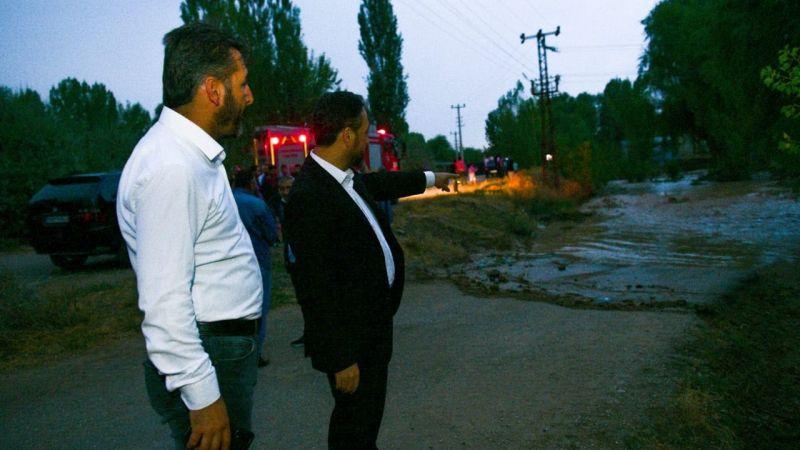 Elbistan'da sel! Başkan Gürbüz incelemelerde bulundu
