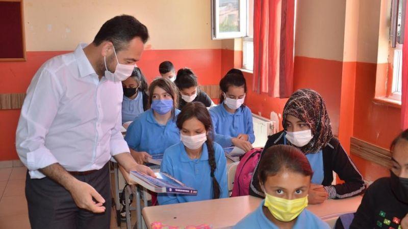 Başkan Gürbüz'den sınava girecek öğrencilere destek