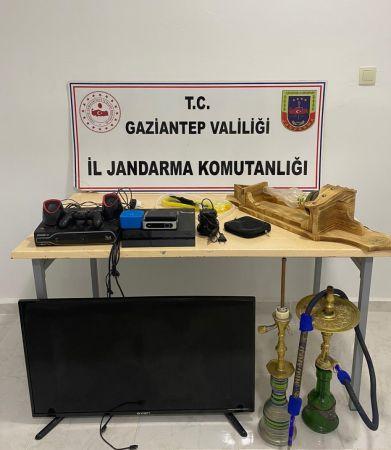 Gaziantep'te hırsızlık yaparken suçüstü yakalanan 2 zanlı tutuklandı