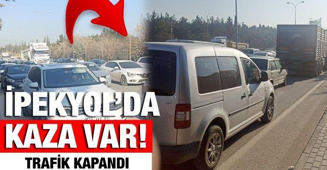 İpekyol'da kaza var, trafik kapandı