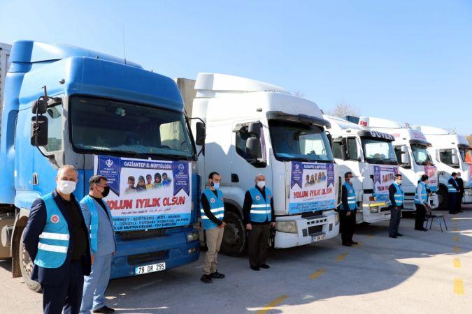 Gaziantep'ten Suriye'ye 5 tır insani yardım gönderildi