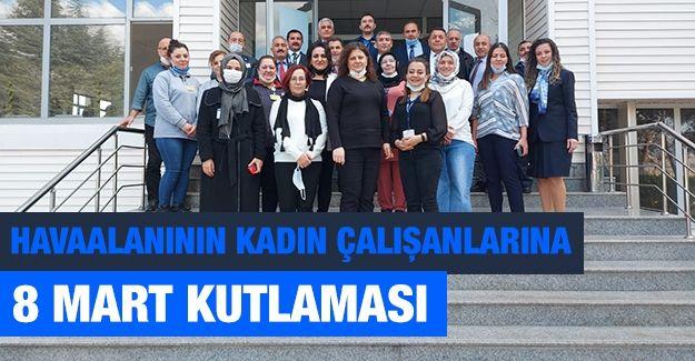 Havaalanının kadın çalışanlarına 8 Mart kutlaması