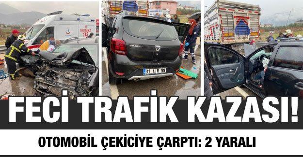 Otomobil çekiciye çarptı: 2 yaralı