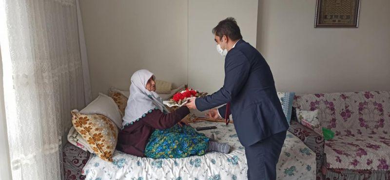Nurdağı Kaymakamı Akça'dan şehit ailelerine ziyaret