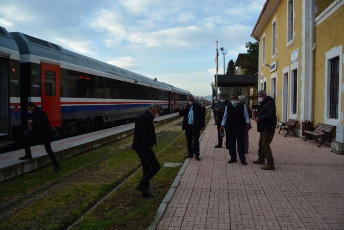 Kovid-19 nedeniyle ara verilen İslahiye-Mersin tren seferleri yeniden başladı