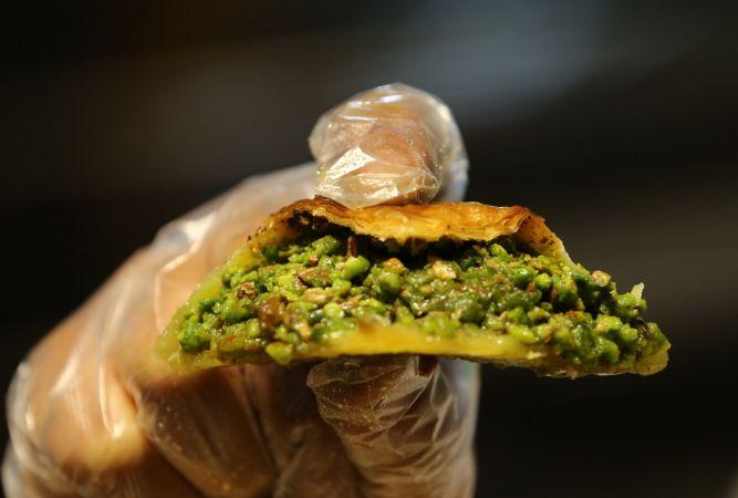 Gastronomi şehri Gaziantep'te baklavacılar ramazana hazır