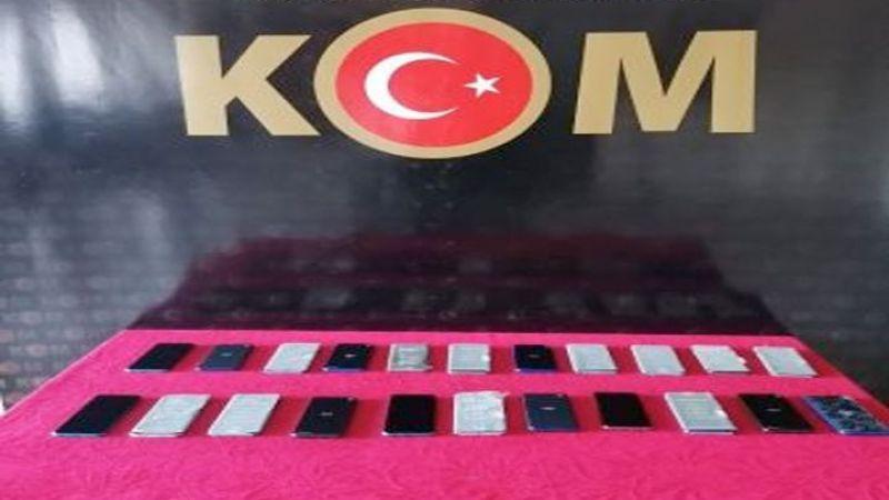 Gaziantep'te 22 adet kaçak cep telefonu ele geçirildi