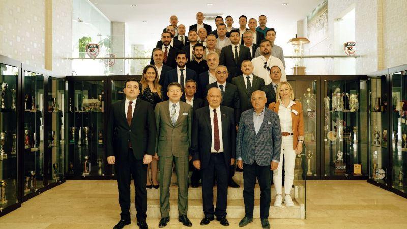 Gaziantep FK'da yönetim sayısı 33'e indi