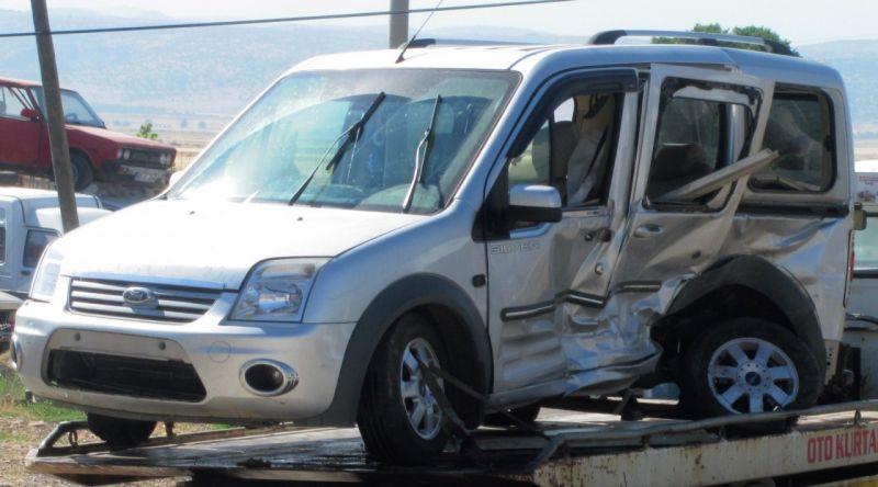 Gaziantep'te iki araç çarpıştı: 10 yaralı