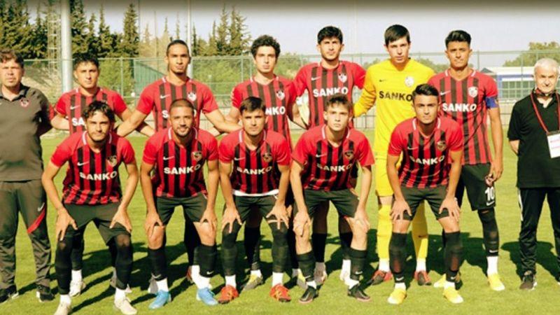 U-19'a bir darbede Antalya'dan