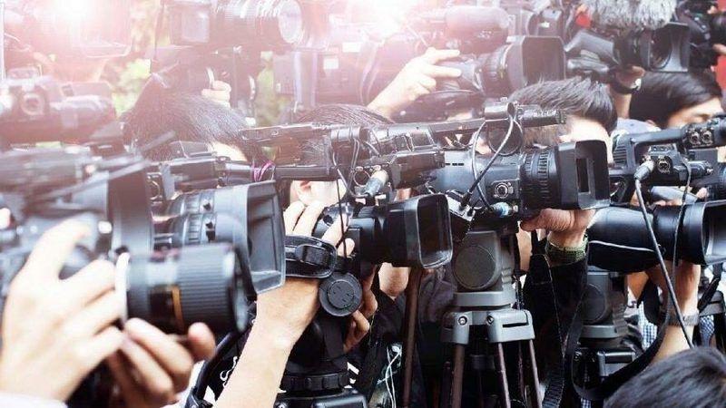 Ulusal basın kilitlendi