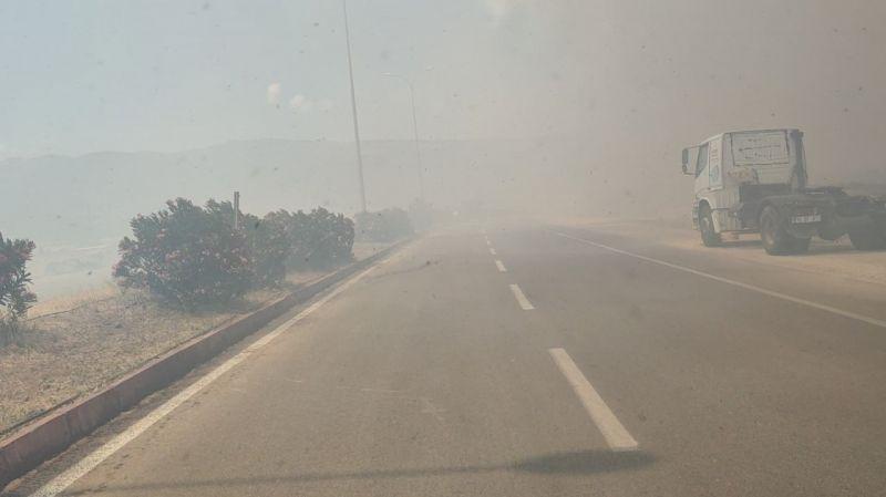 İslahiye'de anız yangını trafiği felç etti