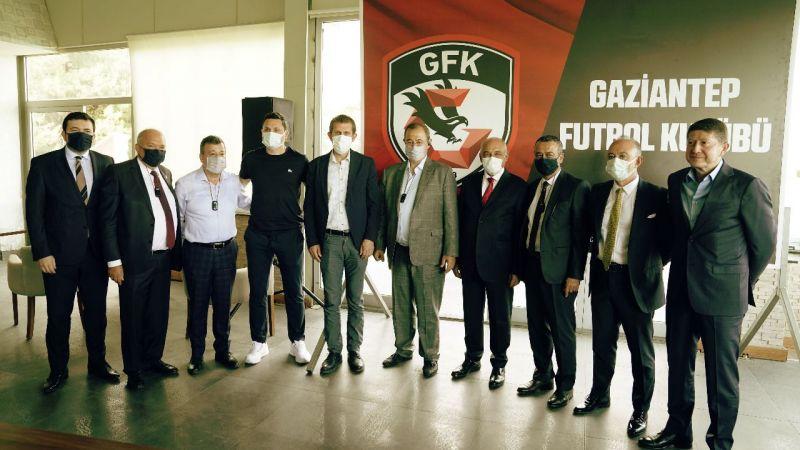 Gaziantep FK yönetimi ve Erol Bulut, Basınla buluşuyor