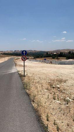Yamaçtepe'deki 50 metrelik yolun ortasına villalları kim dikiyor?