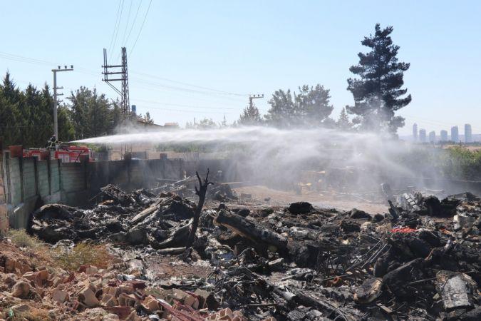 Depo yangınında 2 milyon dolarlık malzeme kül oldu