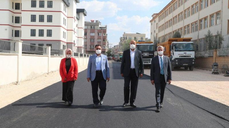 Milletvekili Kirazoğlu Şahinbey'de asfalt çalışmalarını inceledi