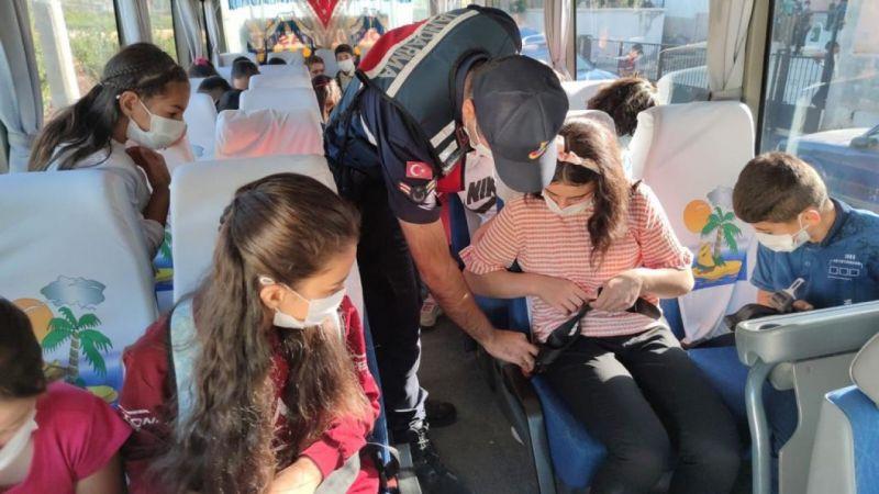 Gaziantep'te jandarma ekiplerinden okul servislerinde denetim
