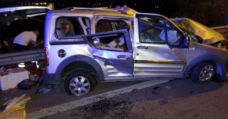 Son dakika: Korkunç Kaza! Tarsus-Adana-Gaziantep yolunda kaza...2 ölü, 2'si ağır 5 yaralı