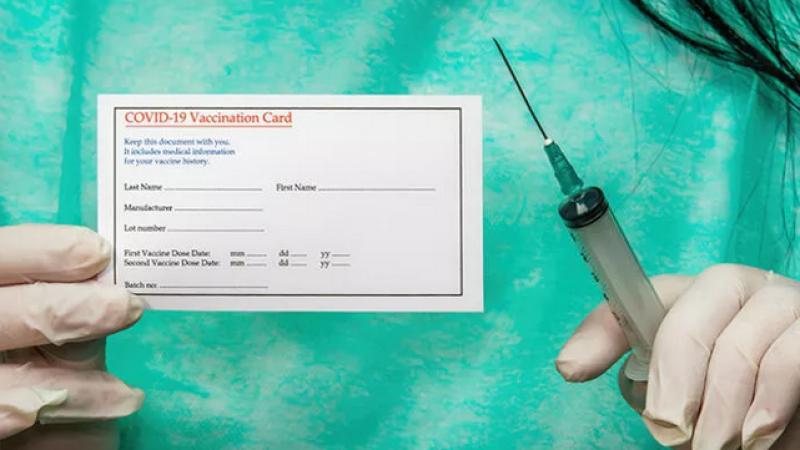 Sahte aşı kartı düzenleyen üç hemşire tutuklandı