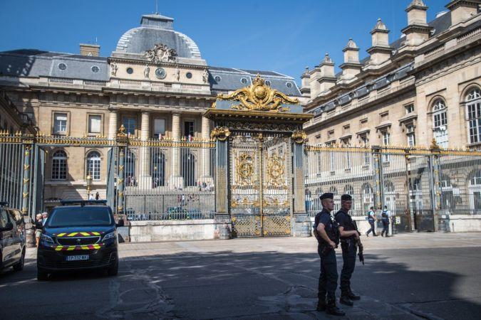 """Fransa'da 2015 terör saldırılarının baş şüphelisi: """"DEAŞ'ın askeriyim"""""""