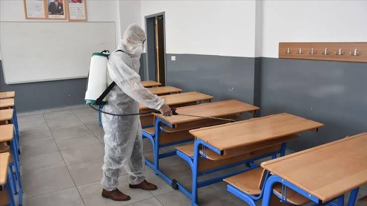 Korkulan oldu! Aynı sınıfta iki öğrenci koronavirüse yakalandı! Peki şimdi ne olacak?