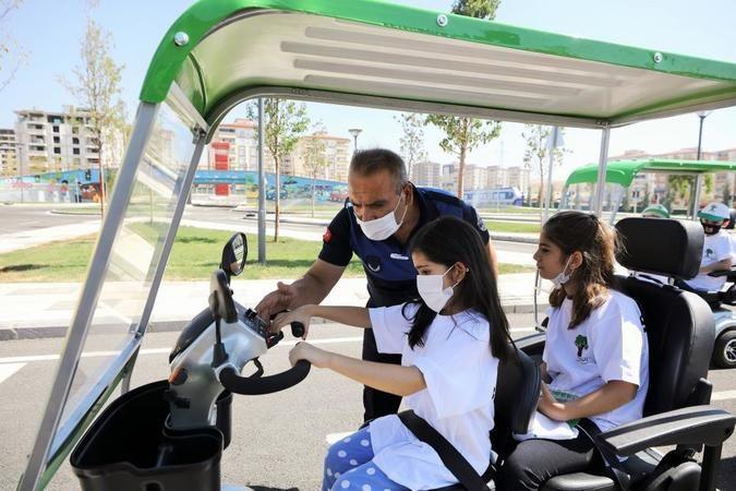 Şehitkamil'de 3 ayda 2 bin 835 öğrenciye trafik eğitimi verildi