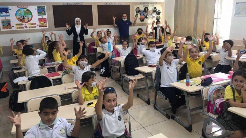 İşitme Engelliler Haftası'nda öğrencilere işaret dili eğitimi verildi