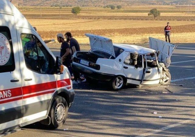 Kahramanmaraş'ta iki otomobil çarpıştı: Yaralılar var!