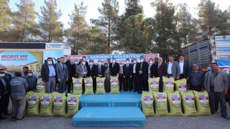 Şahinbey'de çiftçilere 13 bin ton gübre desteği sağladı