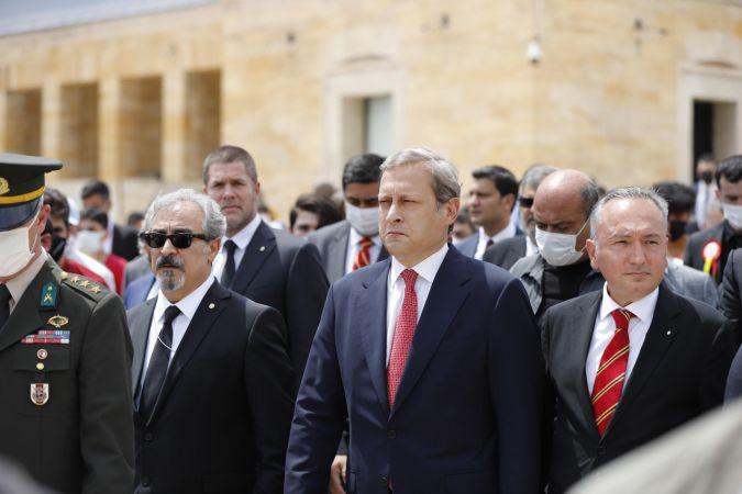 Galatasaray Başkanı Burak Elmas ve yönetimi Anıtkabir'i ziyaret etti