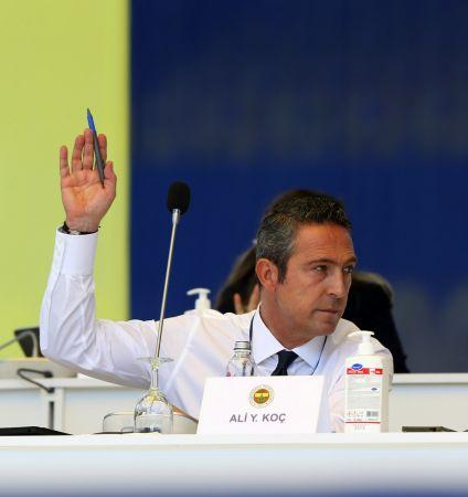 Fenerbahçe'de yönetim ve denetim kurulları ibra edildi (FOTOĞRAFLAR)