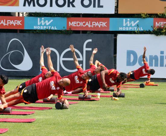 Galatasaray, yeni sezon hazırlıklarını çift antrenmanla sürdürdü