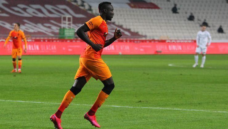 Mbaye Diagne Galatasaray'a dönmüyor!