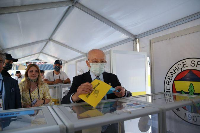 Fenerbahçe'de oy kullanma işlemi sona erdi
