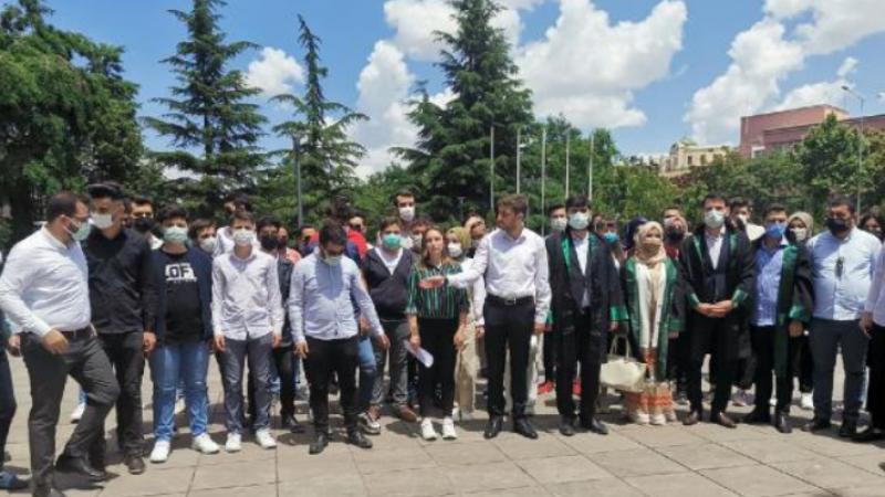 Kılıçdaroğlun'a gençlerden manevi tazminat davası