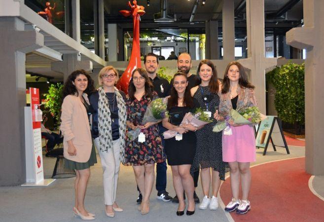 Hayalime Ortak Ol Derneği'nin desteklediği öğrenciler okullarından mezun oldu
