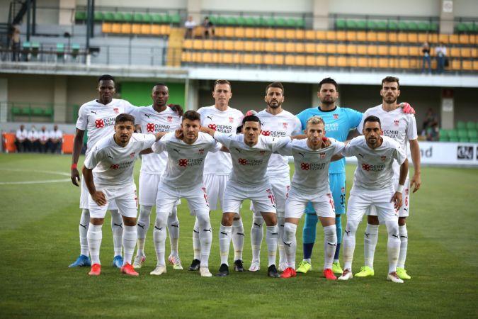 Sivasspor, tur için avantajı kaptı - Petrocub - Demir Grup Sivasspor: 0-1