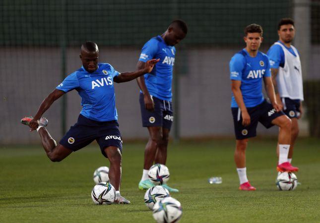Fenerbahçe'de Enner Valencia takımla çalıştı