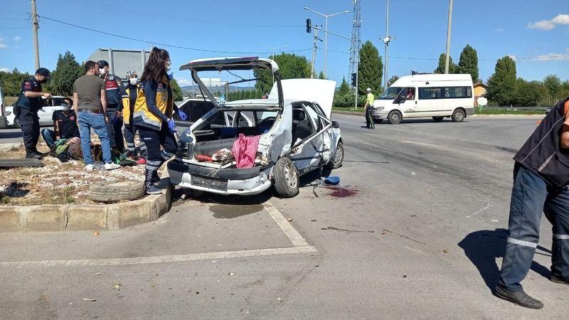 Polisin de karıştığı kazada 5 yaralı!