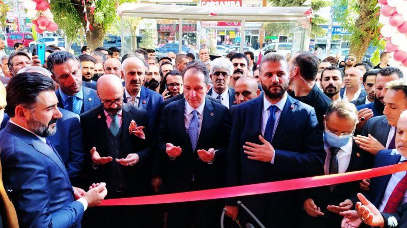 Fatih Erbakan Yeniden Refah Partisi Van İl Başkanlığı'nın açılışında konuştu